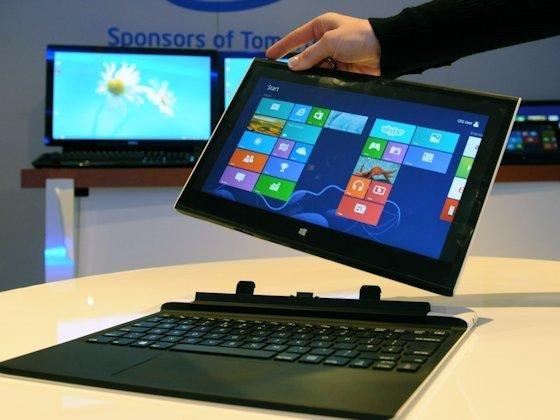 North Cape heißt diese Technologiestudie: Wird der Touch-Bildschirm vom Ultrabook getrennt, verkleinert sich automatisch die aktive Bildschirmfläche, um einen Rand zum Halten des so entstandenen Tablet-PCs zu haben.