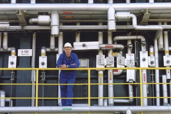 Der Rohstoff-Boom in den USA etwa durch die Förderung von Schiefergas wird den deutschen Großanlagenbau beleben.EU-Mitglieder sollen in eigener Regie entscheiden, ob sie Schiefergas ausbeuten wollen.