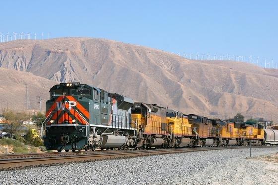 Die großen amerikanischen Güterzug-Gesellschaften wie Marktführer Union Pacific profitieren derzeit vom Schiefer-Öl-Boom in den USA. Große Mengen Öl müssen nach Texas gebracht werden, doch es fehlt an Pipelines.