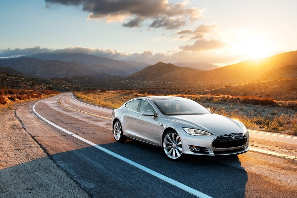 Liegt gut auf der Straße: der Tesla Modell S.