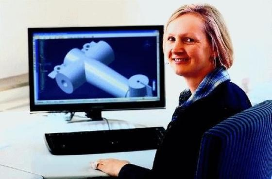 Die Ingenieurin Cordula Dreher, Teilnehmerin am Projekt Wing, hat den Wiedereinstieg erfolgreich geschafft. Die Firma FS Software & Konstruktionen in Böblingen stellte sie ein.