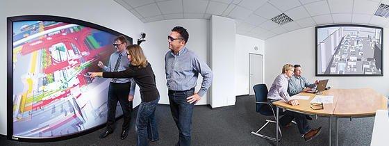 Vom Computer in der Fertigung: Der Weg von der virtuellen Planung zur realen Herstellung wird dank neuer Technologien deutlich kürzer. Dazu gehört auch die M2M-Kommunikation.