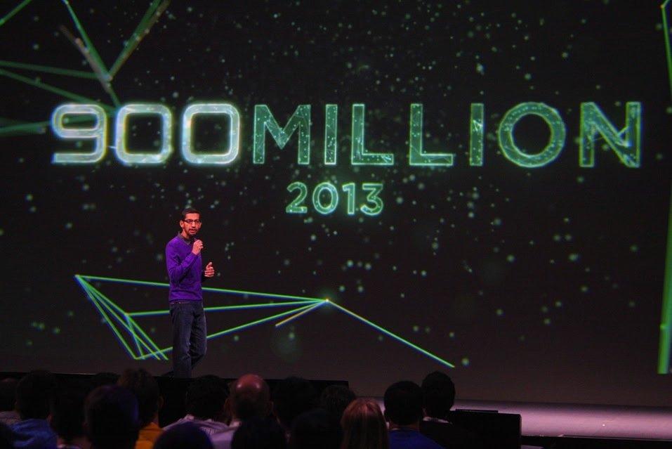 Googles Vizepräsident Sudar Pichai ist mächtig stolz auf sein Android-Betriebssystem, das weltweit schon auf 900 Millionen Smartphones läuft. Tendenz stark steigend.