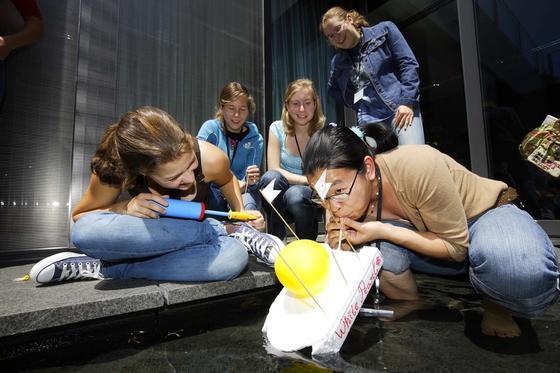 Spielerisch versucht Bosch auch junge Frauen zu motivieren, Entwicklerin oder Konstrukteurin zu werden.
