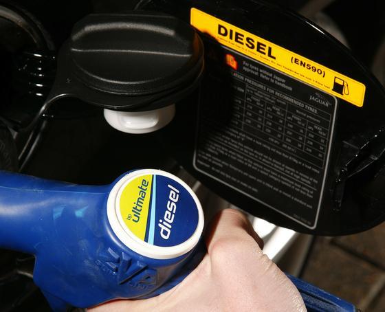Europa hat schon heute den besten Diesel-Kraftstoff der Welt. Mit synthetischem XLT könnten die Emissionen auch von Altfahrzeugen noch einmal deutlich sinken.
