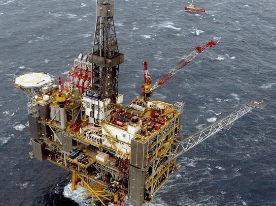 Die Öl- und Gasförderung in der britischen Nordsee boomt: Allein BP investiert 4,5 Milliarden US-Dollar in das Öl- und Gasfeld Clair Ridge vor den Shetland Inseln. Dort will BP bis 2050 rund 640 Millionen Barrel Öl und Gas fördern.