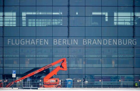 Der Flughafen Berlin Brandenburg Airport Willy Brandt (BER), aufgenommen im August 2012.