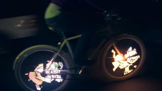 Witzige Beleuchtung für Fahrrad mit dem Monkey-Light-Pro-System.