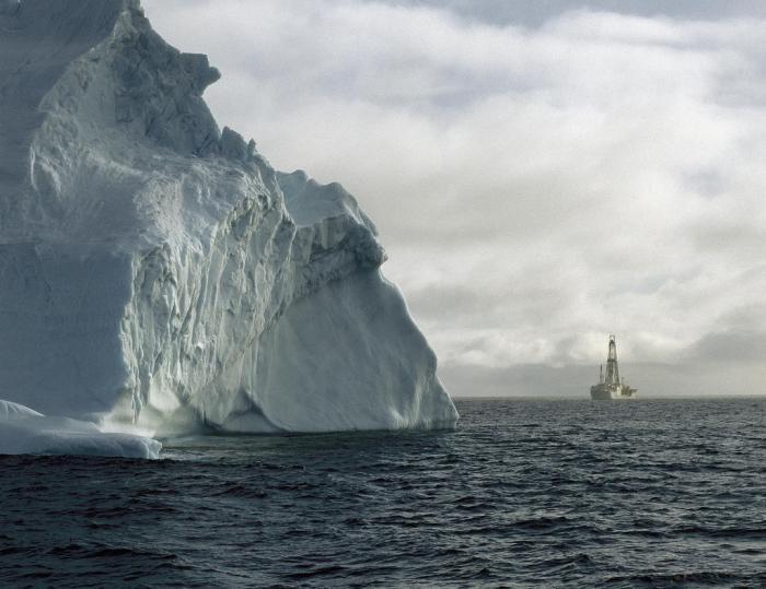 Das Bohrschiff Joides Resolution bohrte an den früheren Nahtstellen in der Antarktis und in Australien, um Hinweise zu finden, wie sich das Klima vor 49 Millionen Jahren veränderte.