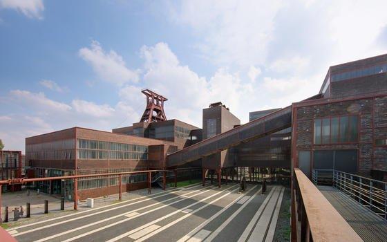 Wohl das bekannteste Werk der beiden Industriearchitekten Fritz Schupp und Martin Kemmer: die Zeche Zollverein in Essen.
