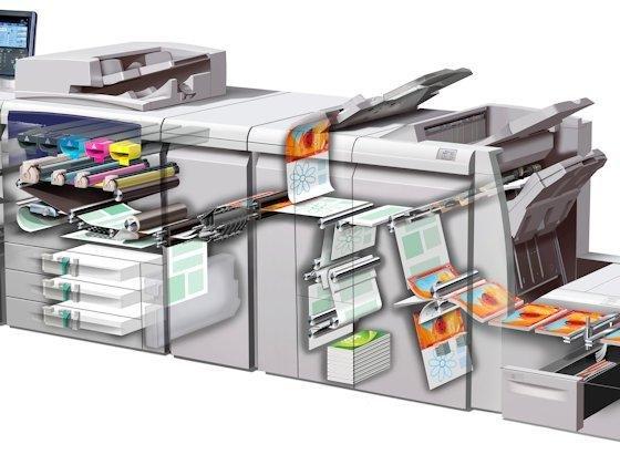 """Digitaldruckmaschine von Xerox: Der digitale High-End-Produktionsdruck ist für den US-Hersteller ein lohnender und zukunftsträchtiger Hardwaremarkt. Jüngst übernahmen die US-Amerikaner daher eine französische Technologieschmiede aus dem Tintenstrahlsegment, ein """"kluges F&E-Investment"""" aus Sicht des Konzerns."""