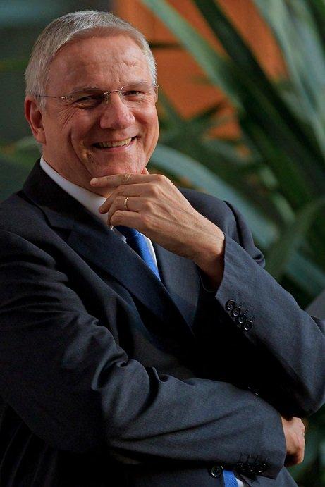 """""""Es gibt Untersuchungen, bei denen durch eine Videokonferenz sogar bessere Ergebnisse erzielt wurden als Face-to-Face, also im direkten Gespräch"""":Professor Jürgen Wegge von der TU Dresden."""