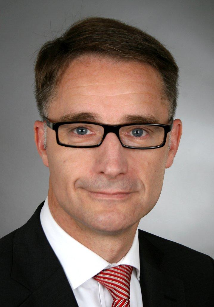 Kurt D. Bettenhausen.