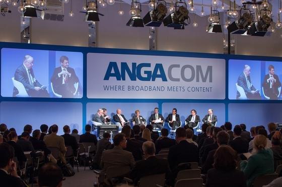Kabel- und Telekommunikationsunternehmen waren sich auf der Anga Com einig:Die Pläne der Bundesregierung für die breitbandigen Anschlüsse deutscher Haushalte ans Internet sind nur schwer zu erreichen.