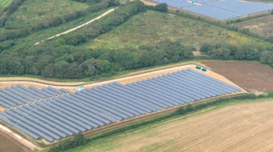 Grange Farm in Cornwall in Großbritannien ist ein Projekt, das die ib Vogt GmbH im vergangenen Jahr realisiert hat.