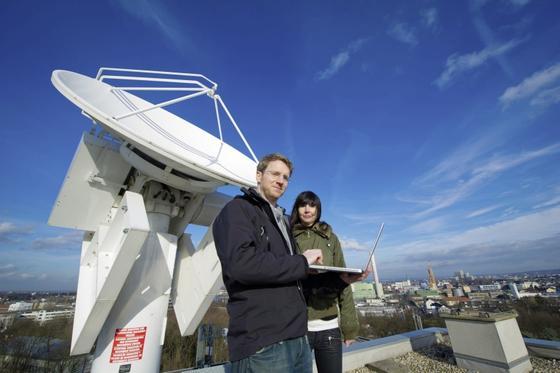 Das Regenradar der Uni Bonn liefert die Daten für eine Software, die Anlieger der Erft vor Hochwasser warnt. Eine ähnliche Software entwickeln nun Forscher der Uni Nürnberg-Erlangen. Diese will Anwohner grundstücksgenau vor Hochwasser warnen.