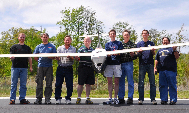 Das Team des Forschungslabors der US-Marine hat ein Flugzeug entwickelt, das flüssigen Wasserstoff in einer Brennstoffzelle zur Stromerzeugung nutzt.