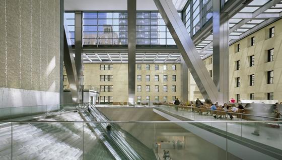Der Hearst Tower von innen. Hier ist der Übergang vom sechsstöckigen Sockel zum gläsernen Aufbau zu sehen.