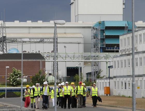 Mit einer eklektischen Leistung von rund 430 Megawatt und einem Wirkungsgrad von 59,2 Prozent zählt das von Siemens gebaute Gaskraftwerk Knapsack II bei Köln zu den modernsten und umweltfreundlichsten seiner Art in Europa. Dennoch steht das Kraftwerk des norwegischen Energiekonzerns Statkraft stillt, während die benachbarten Braunkohlekraftwerke rund um Köln auf Hochtouren laufen.