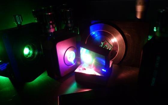 Blick in das Mainzer Lasersystem.