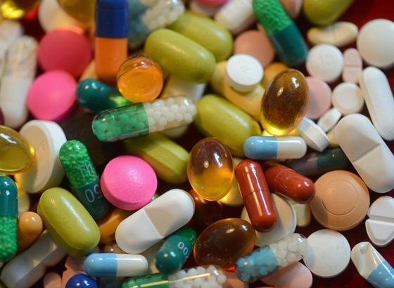Der Überzug von Tabletten kann jetzt schon während des Beschichtungsprozesses (Coating) auf Schäden kontrolliert werden.