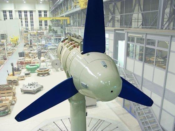 <p>Meeresströmungsturbinen, im Bild eine 110 kW-Anlage von Voith Hydro, sind heute Stand der Technik. Die Adaption an Schiffsrümpfe ist dagegen noch Zukunftsmusik.