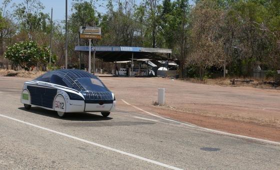 Seine ersten Erfahrungen mit der Elektromobilität sammelte Julian Stentenbach an der Hochschule Bochum als Teamleiter bei der Entwicklung des BOCruisers. Das Auto nahm 2009 an der Weltmeisterschaft der solargetriebenen Rennwagen, der Global Green Challenge, in Australien teil und wurde in Adelaide für das beste Design aller Fahrzeuge mit dem Design Award ausgezeichnet.