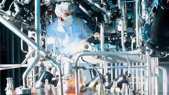 Zellfermentierung in der biopharmazeutischen Herstellung: In der Produktion neuer Impfstoffe und Antikörper sowie in der Gentechnik und Stammzelltherapie sehen Branchenkenner die Zukunft der deutschen Biotechnologie.