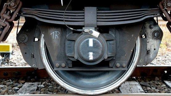 Glatte Laufflächen reduzieren den Lärm: Durch den Einsatz von neuen Bremssohlen-Typen sollen künftig die Laufgeräuschen von Güterzügen reduziert werden.