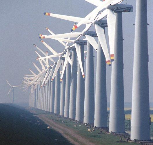 Die italienische Anti-Mafiabehörde DIA hat einen Mafia-Boss verhaftet, der durch Geschäfte mit Windkraftanlagen ein Vermögen von 1,3 Milliarden Euro erwirtschaftet hat. Europol vermutet, dass die Mafia derzeit massiv in die Windkraft investiert.
