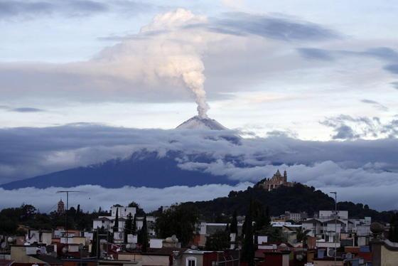Am 7. Juli ist der Popocatepetl in Mexiko ausgebrochen. Die Partikel aus großen Vulkanausbrüchen können bis zu fünf Jahren in der Atmosphäre bleiben und die Temperatur auf der Erde leicht um ein halbes Grad und mehr abkühlen.