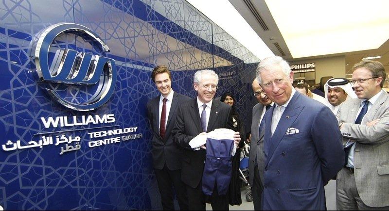 Prinz Charles beim Besuch des Williams-Entwicklungszentrums in Quatar.