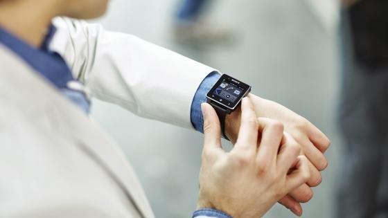 Dem Mini-Computer am Handgelenk gehört nach Einschätzung von Marktbeobachtern die Zukunft.