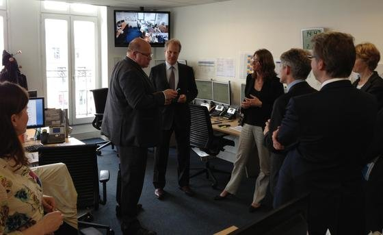 Umweltminister Peter Altmaier beim Besuch der europäischen Strombörse EPEX SPOT in Paris.