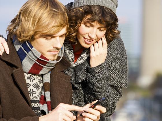 Immer mehr Menschen wollen dauernd, auch unterwegs, online sein. Ab 2015 werden zumindest in den USA nach Prognose von McKinsey die Mehrheit der Menschen mobil und nicht mehr stationär ins Internet gehen.