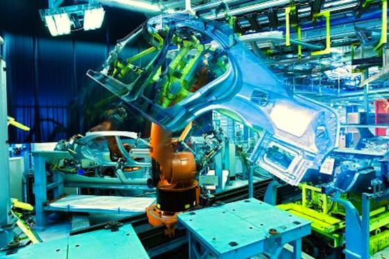 Industrie 4.0: Die Nutzung der industriellen Kommunikation, Informationstechnik und Vernetzung unterstützt eine konsequente Automation.