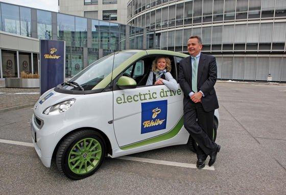 Tchibo-Chef Markus Conrad fährt einen Elektro-Smart als Dienstwagen. Er ist damit der Vorstandschef in Deutschland mit dem kleinsten Dienstflitzer.