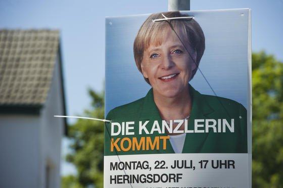 Bundeskanzlerin Angela Merkel wird am 22. Juli zu Wahlkampfveranstaltungen an den Orten Zingst, Heringsdorf und Binz in ihrem Wahlkreis im Norden Mecklenburg-Vorpommerns erwartet. Die Abhöraffäre beherrscht zunehmend den Wahlkampf.