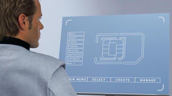 SIM-Karten mit älterer Sicherheitstechnik lassen sich leicht knacken. Hacker können nicht nur Gespräche belauschen und Daten abrufen, sondern auch Funktionen wie die elektronische Geldbörse nutzen.