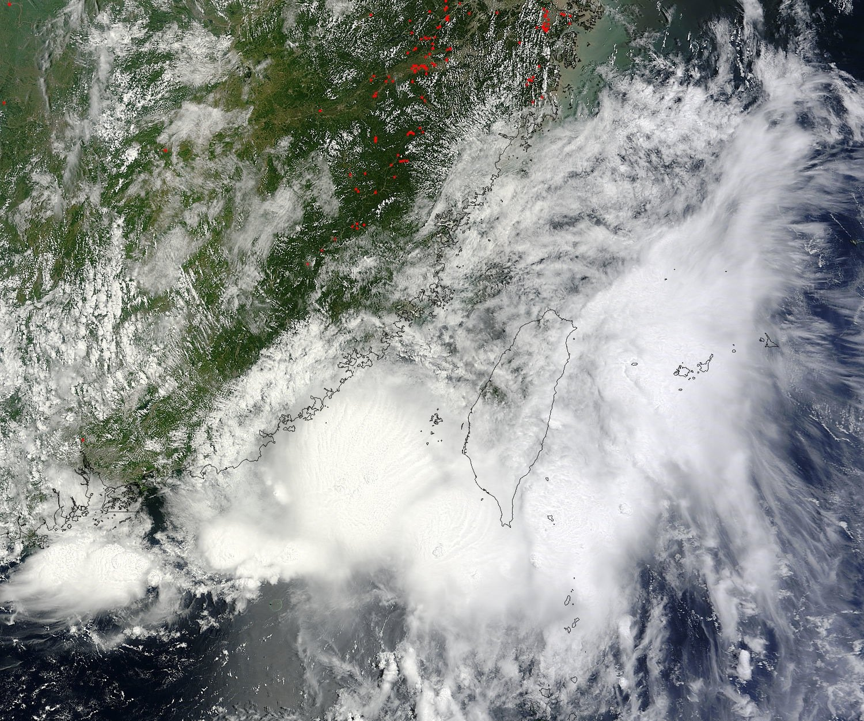 """Eine NASA-Satellitenaufnahme von """"Cimarron"""". Das Zentrum des tropischen Sturms traf am 18. Juli 2013 etwa 360 Kilometer von Hongkong entfernt auf Festland."""