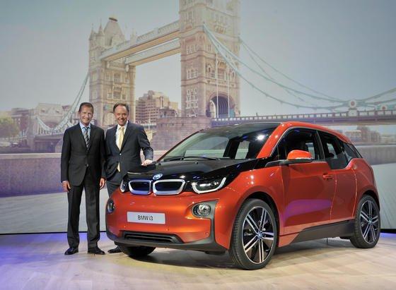 Weltpremiere des Elektroautos BMW i3: Vertriebsvorstand Ian Robertson und Entwicklungsvorstand Herbert Diess präsentierten das Auto in London.