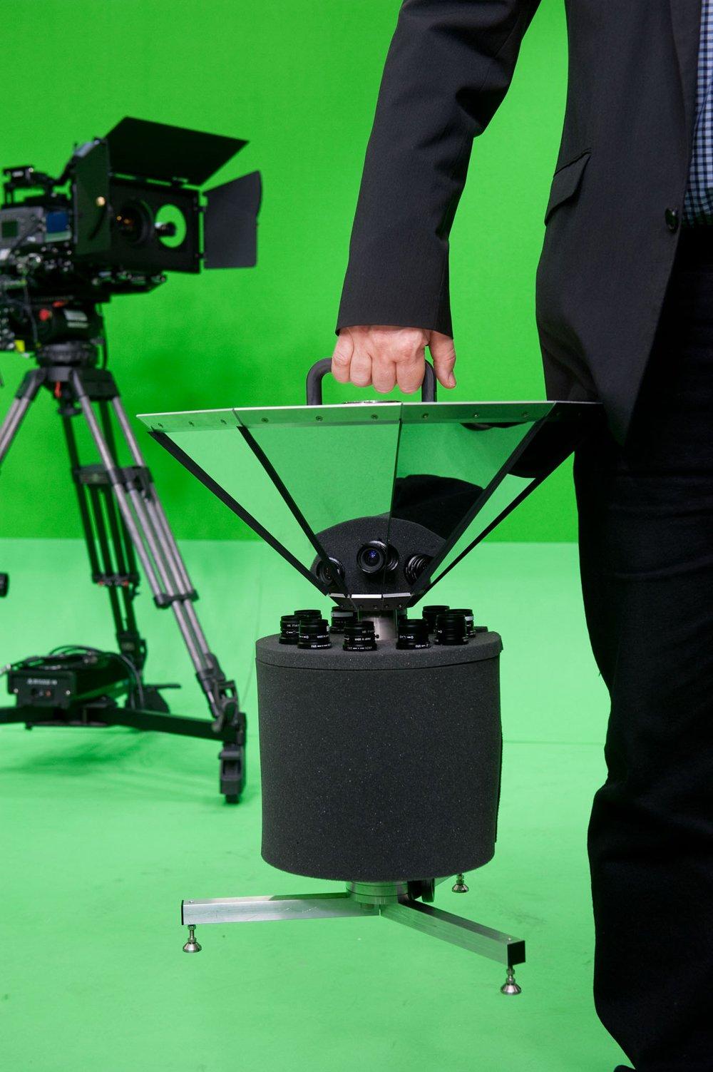 Die neue Panorama-Kamera wiegt nur 15 Kilogramm. Sie kalibriert sich selbst und ist damit unkompliziert einsetzbar.