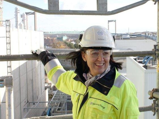 """Projekt GoBiGas: Åsa Burman von Göteborg Energi AB ist Leiterin von GoBiGas, mit dem der südschwedische Energieversorger weltweit zum ersten Mal das Prinzip """"Biomethan aus Holz"""" im ganz großem Stil von mehreren zehn Megawatt thermischer Leistung umsetzen will."""