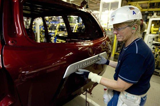 Toyota ist weltweit der Volumenhersteller mit dem größten Gewinn pro Auto. Deutschlands Nummer 1 VW liegt auf Rang 9.