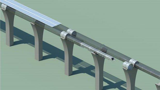 Die Trasse für den Hyperloop würde oberhalb des kalifornischen Highway I-5 verlaufen und wäre erdbebensicher. Solarpanele liefern die Energie.