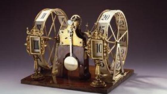 """Die """"Fünf-Minuten-Uhr"""" der Staatsoper aus dem Jahr 1896 gehört zu den Ausstellungsstücken (Modell) imMathematisch-Physikalischen Salon."""