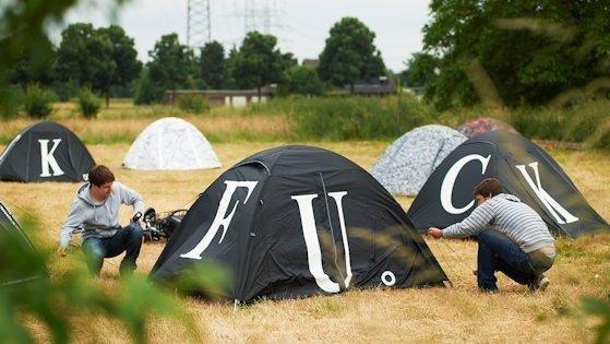 Praktische Kunst: Der chinesische Künstler und Politikaktivist Ai Weiwei hat 1000 Iglu-Zelte gestaltet. Je zwei Personen können darin übernachten.