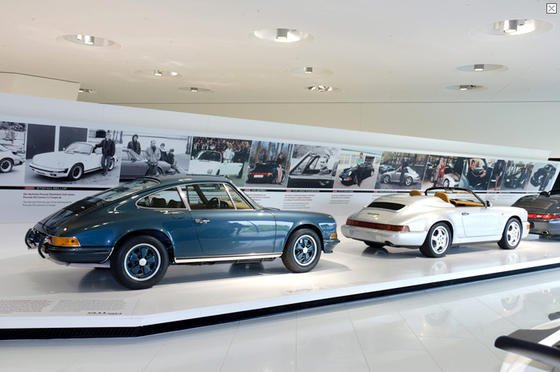 Mit einer Sonderschau feiert Porsche 50 Jahre 911er.