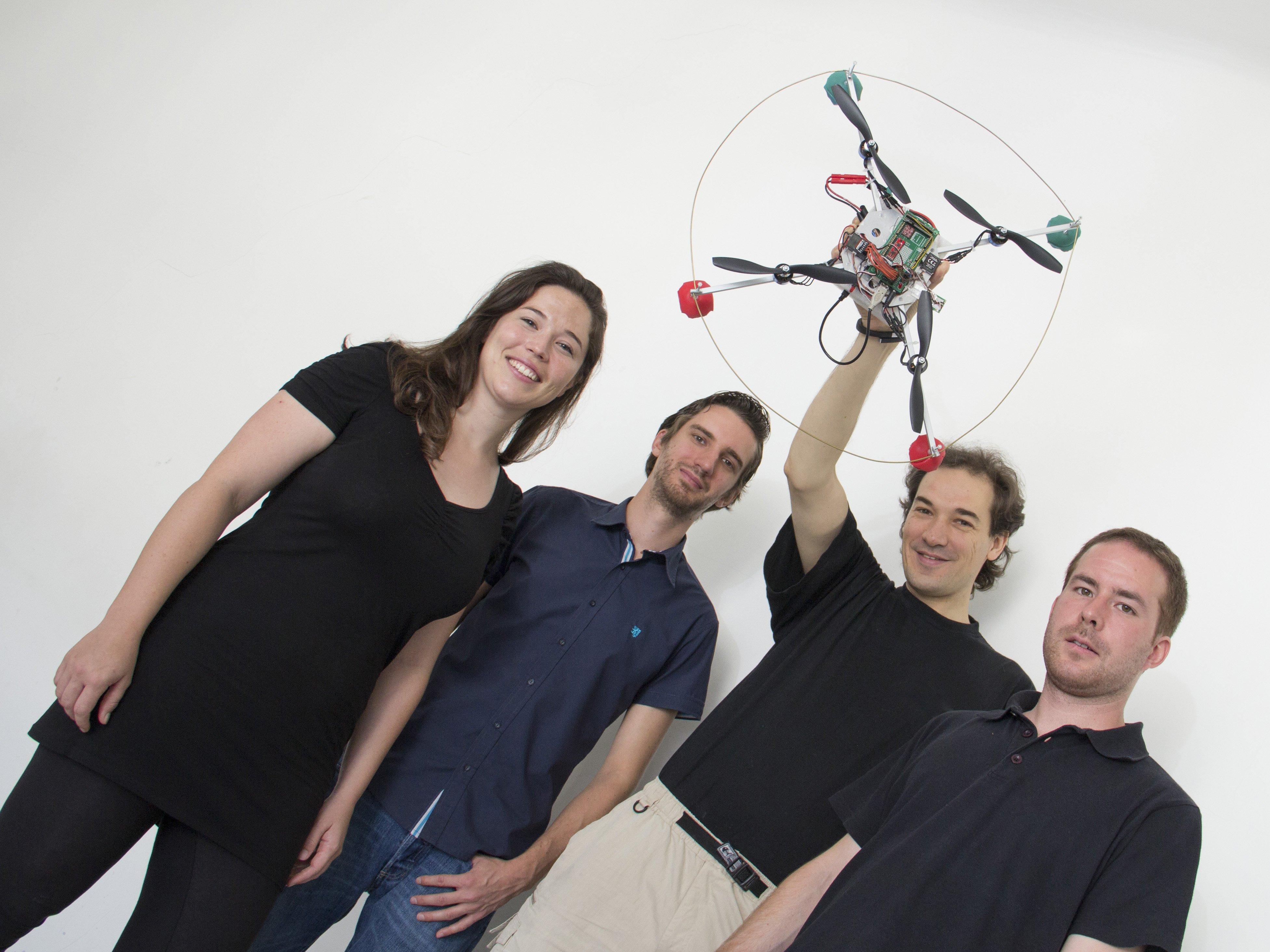 Das Quadcopter-Team: Annette Mossel, Christoph Kaltenriner, Hannes Kaufmann, Michael Leichtfried (v.l.n.r.).