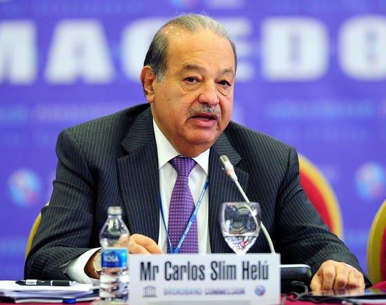 Carlos Slim hat seinen Widerstand gegen denVerkauf von E-Plus an Telefónica Deutschland (O2) aufgeben. Der mexikanische Milliardär istGroßaktionär der niederländischen E-Plus-Mutter KPN.